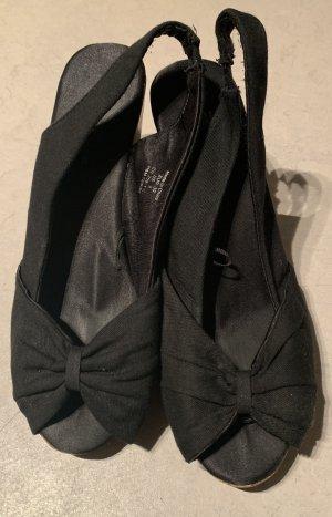 Peeptoe Sandalette mit Keilabsatz