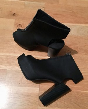 H&M Divided Peep Toe Pumps black