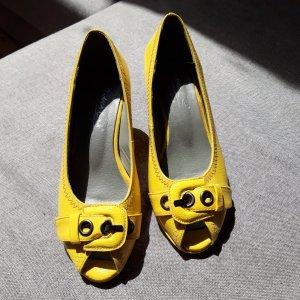 Andrea Conti Czółenka z odsłoniętym palcem bladożółty-żółty