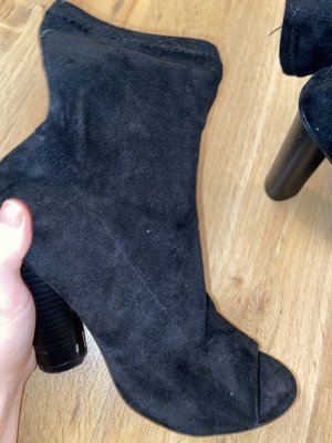 Cut Out Booties black-anthracite