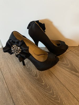 Peeptoes in Schwarz mit Blume