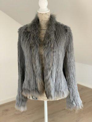 Veste de fourrure gris-argenté