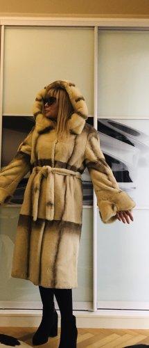 Manteau de fourrure beige clair-brun foncé