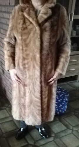Manteau de fourrure bronze