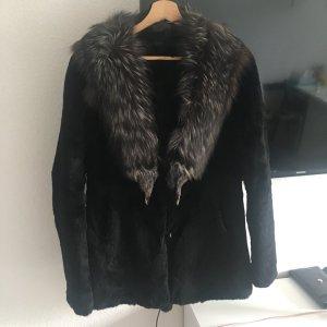 Pelt Coat black-silver-colored pelt