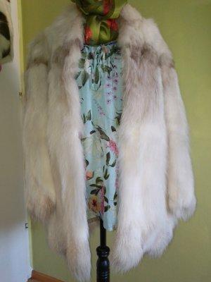 Manteau de fourrure blanc-gris clair mohair