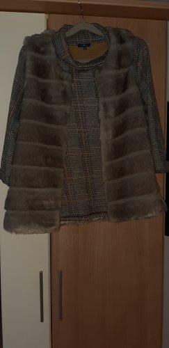 Pelz weste mit Oder ohne Shirt