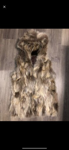 Abrigo de piel marrón claro