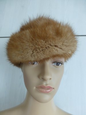 Bowler Hat light brown-camel pelt