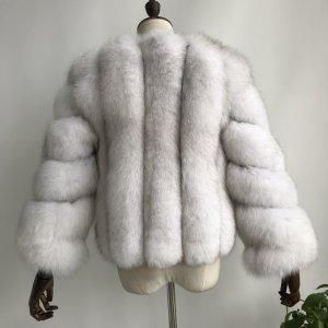 Veste de fourrure blanc-argenté fourrure