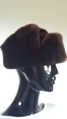 Bonnet à pompon brun fourrure