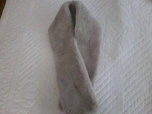 Cravate ascot blanc cassé pelage