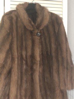 Veste de fourrure brun