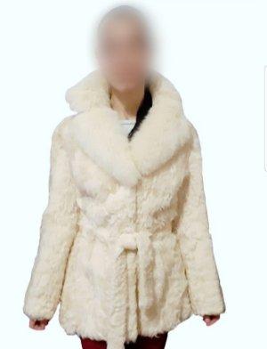 Pelzmantel aus Naturfell mit Polarfuchskragen / Mantel / Wintermantel / Damenmantel / Pelz / Fell / Winterjacke / Jacke