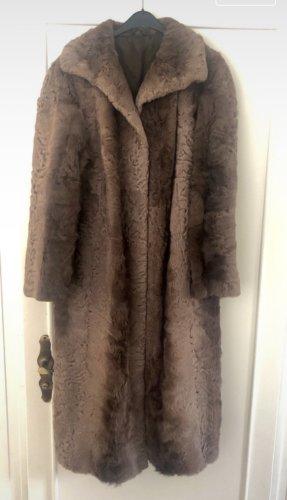 Abrigo de piel color bronce