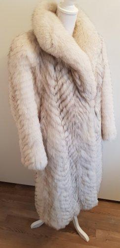 Abrigo de piel blanco-gris claro