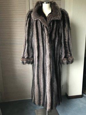 Manteau de fourrure brun-marron clair pelage