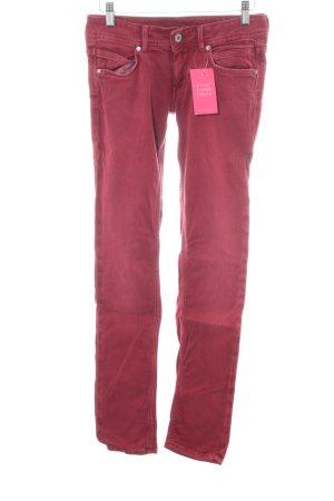 Pepe Jeans Vaquero slim rojo look casual