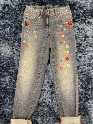 Peppige Jeans zum Krempeln, Gr 34, tolle Applikationen