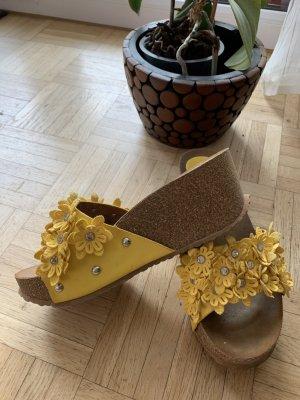 Peppige Pantoletten/Wedges - Yellow/Geld - Größe 36