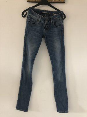 Perfekt sitzende Jeans