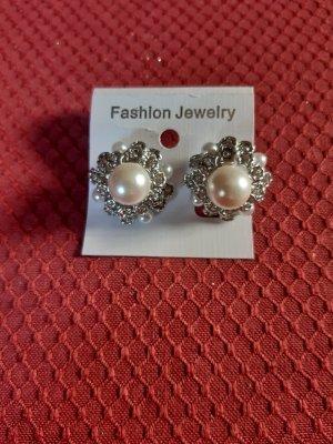 Orecchino di perle argento