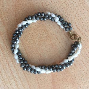 Perlen-Armband weiß-grau