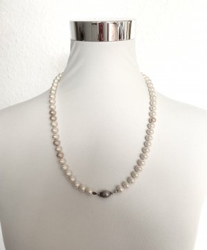 Christian Dior Collar de perlas blanco-crema