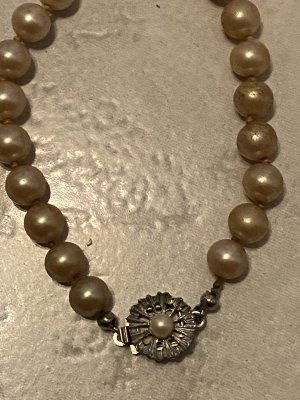 Pearl Necklace beige-silver-colored