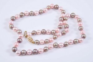 Modern vintage Pearl Necklace gold-colored