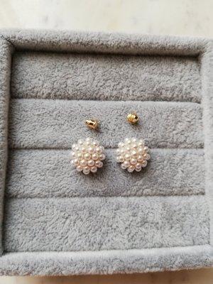 Orecchino di perle bianco sporco