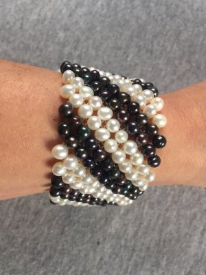 Perlenarmband schwarz weiß Hse24/Qvc Süßwasser-Zuchtperlen flexibel neuwertig