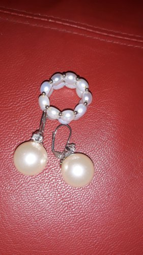 Pearl Earring natural white