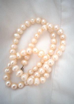 Naszyjnik z perłami kremowy-różany