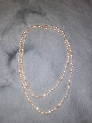 Collar de perlas crema-beige claro