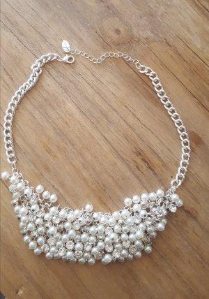 Collana di perle bianco-argento