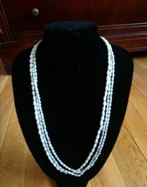 Naszyjnik z perłami złoto-w kolorze białej wełny