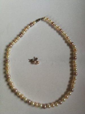 Collier de perles crème-rosé