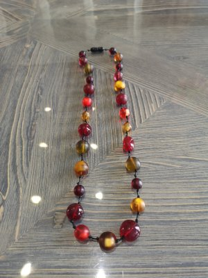 Pearl Necklace gold orange-neon red