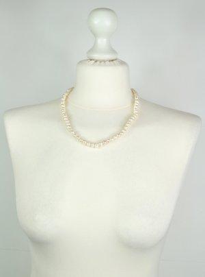 Perlenkette in Weiß / Natur mit verstellbaren Verschluss