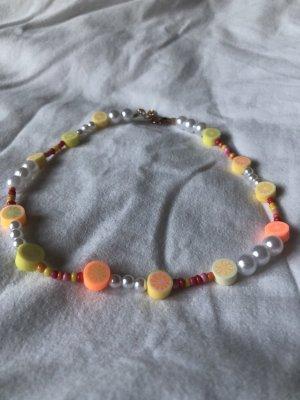 Collier incrusté de pierres multicolore