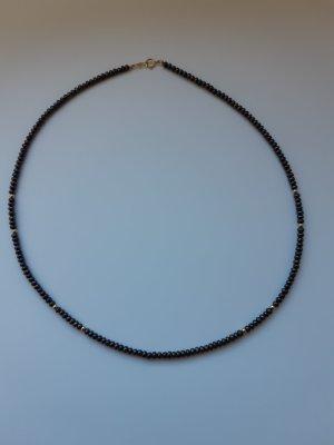 Perlenkette mit goldene Verschluss
