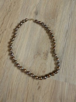 Pearl Necklace brown