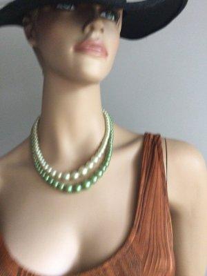 Perlenkette , zweifarbig .