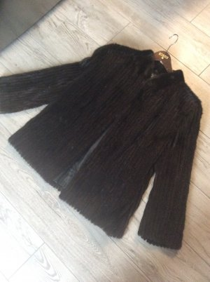 Veste de fourrure brun foncé-brun noir