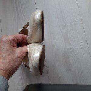 Peter Kaiser Damen Pumps Größe 6 1 /2 Weite F