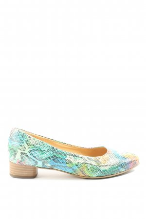 Peter Kaiser High-Front Pumps animal pattern casual look