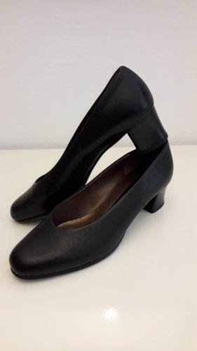 Peter Kaiser Wedge Pumps black