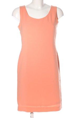petite sophisticate Falda estilo lápiz rosa look casual