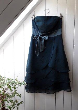 Petrolfarbenes Kleid von Marie Blanc